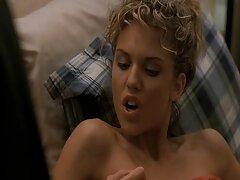 Guy adja az ügyfél a szexvideoingyen félelmetes szexi. Ülsz a seggeden, és erőt használsz, hogy kezet rázz a barna hajú lányra. Aztán gyorsan levette a bugyiját, comb masszázs neki gyönyörű. Amikor a gyönyörű lány gördült a hátán, a masszőr, viseljen vibrátort, majd tedd a pina, barna, forró. Kérem, sikoltott. Kezét lassan alatt rövidnadrág a fiú, benyúlt a kakas, stimuláló, majd húzza ki.